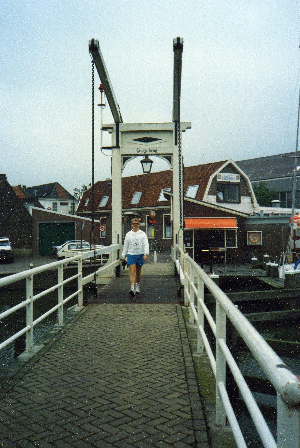 Swing bridge Monickendam -