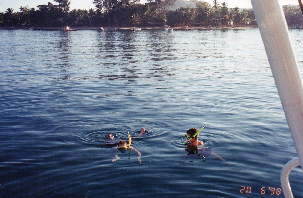 Early morning snorkel at Ambataloake
