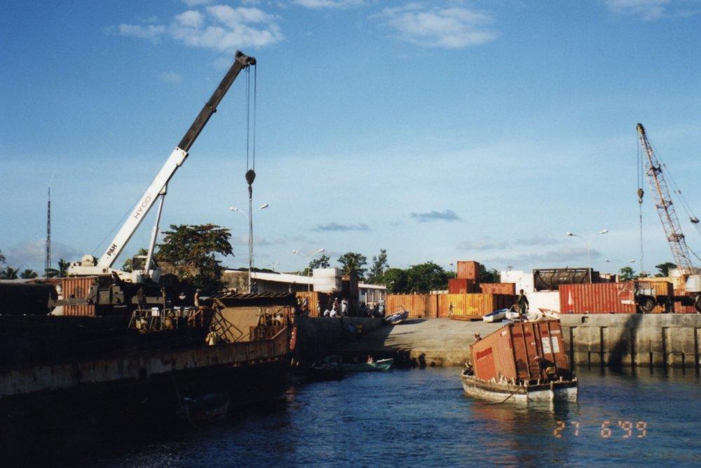 Transporting cargo Moroni, Grand Comore