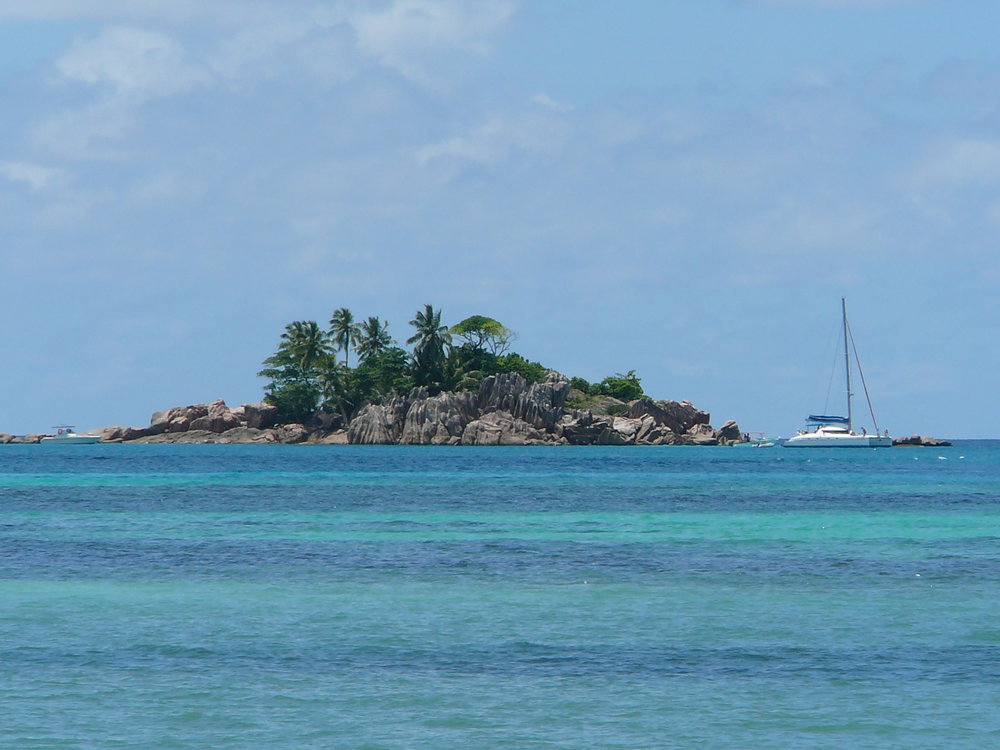 Different shades of blue - island of Praslin