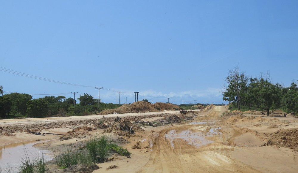 Construction of new tar road from Maputo, near Kosi bay border