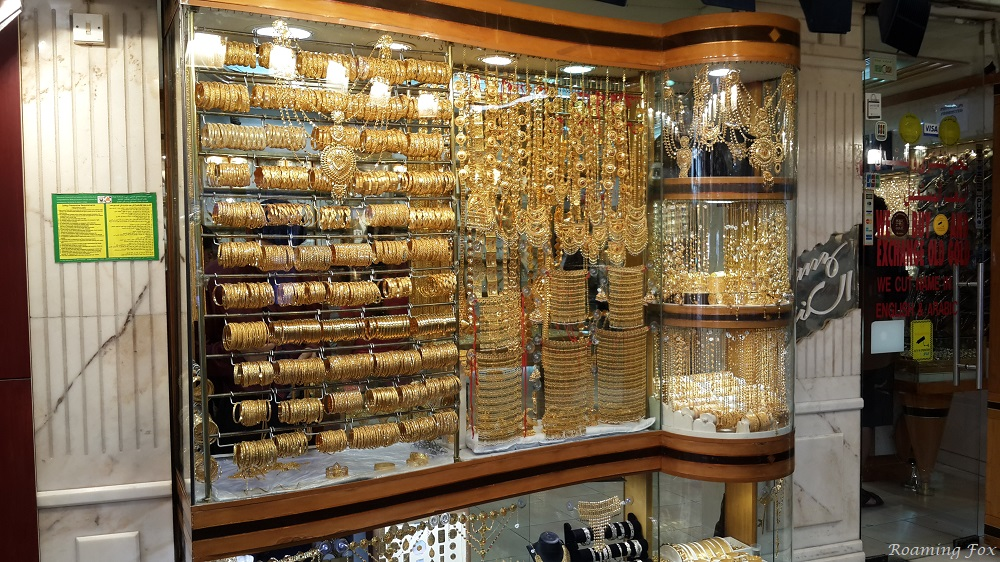Unlimited choices of gold bangles