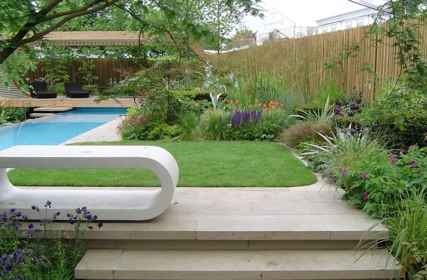 Delirious-romps-inspirational-gardens-RHS Chelsea-2006-roamingfox