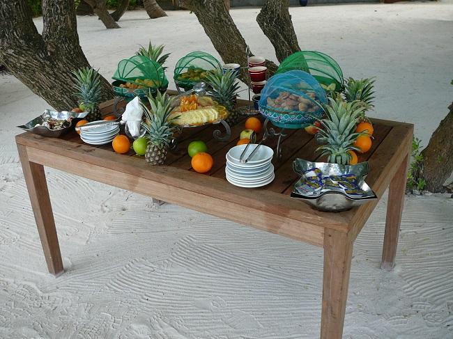 Fruit & snacks Club Med Kani.JPG