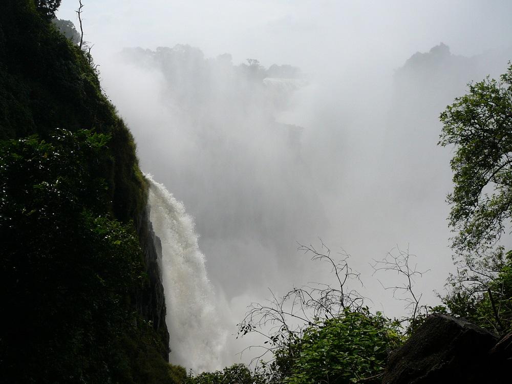Mist and Victoria Falls.JPG