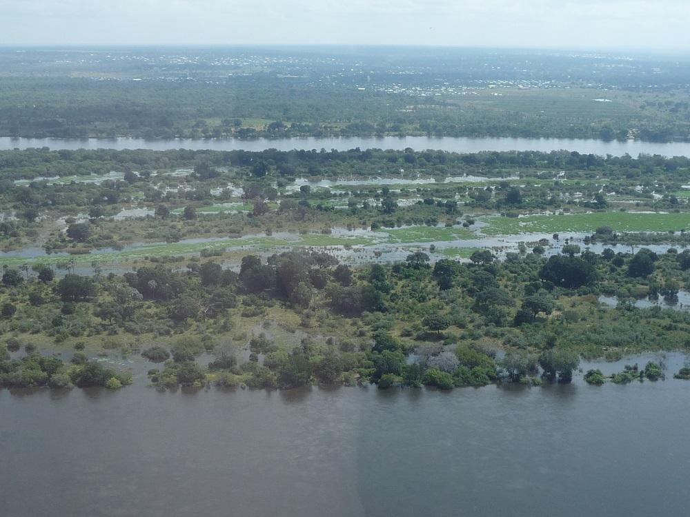 Zambezi River and island under water near Victoria Falls.JPG