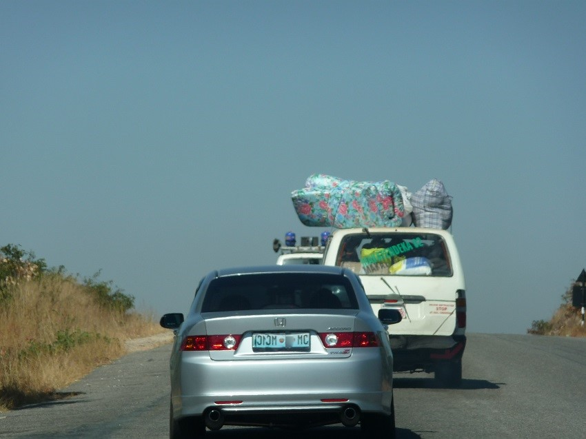 Transporting good on roof of car Zimbabwe
