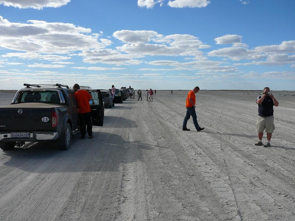 Salt pans Mkgadikgadi Botswana.JPG