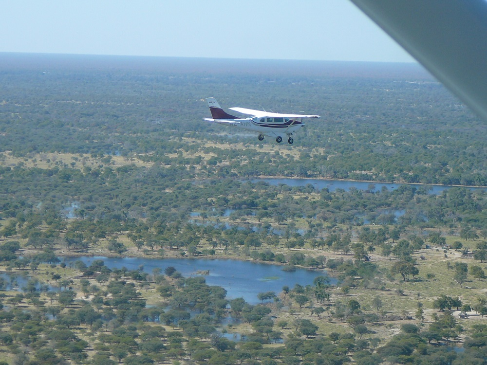 Plane - flight over Okavango www.roaming-fox.com.JPG