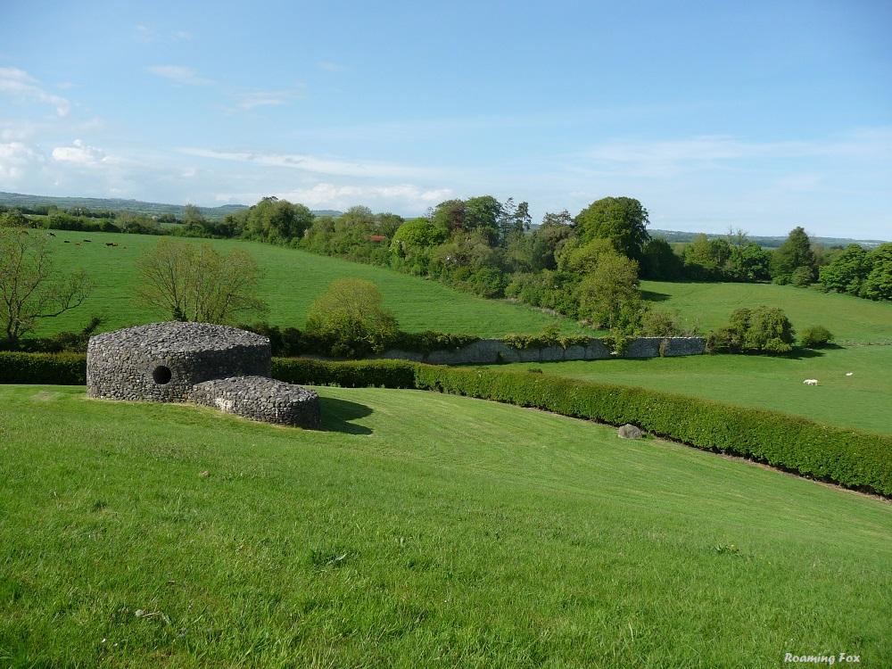 Boyne Valley New Grange Stone Age Irish Tomb 4.JPG