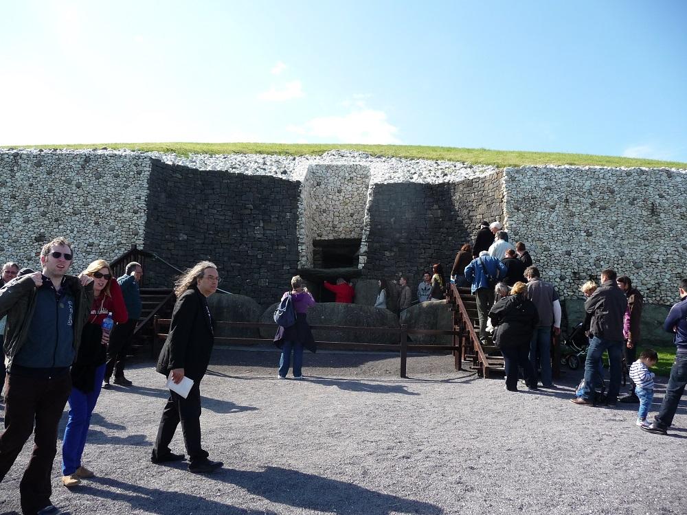 RF Boyne Valley Stone age tomb Newgrange