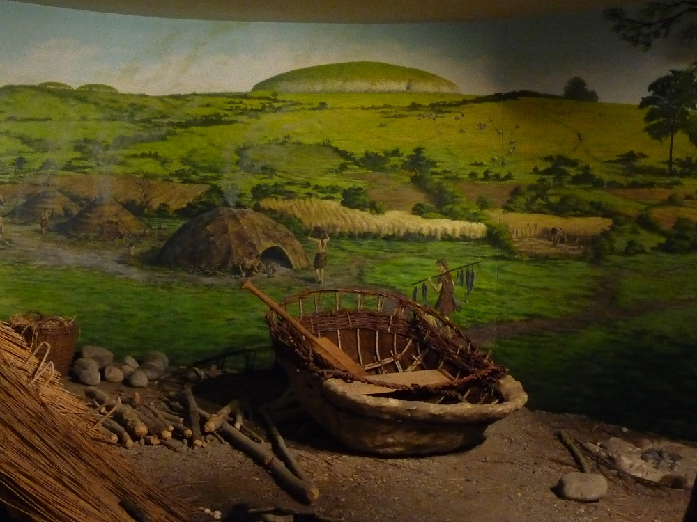 Museum Boyne Valley Irish Tomb Newgrange