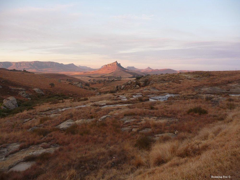An escarpment NE of the Northern Drakensberg Mountains near Oliviershoek Pass