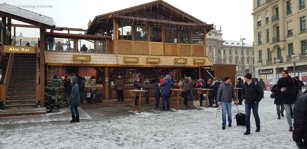 Buying streetfood and drinks in Munich, Bavaria