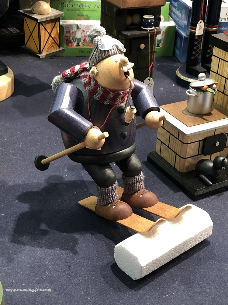 Love the detail in this wooden toy