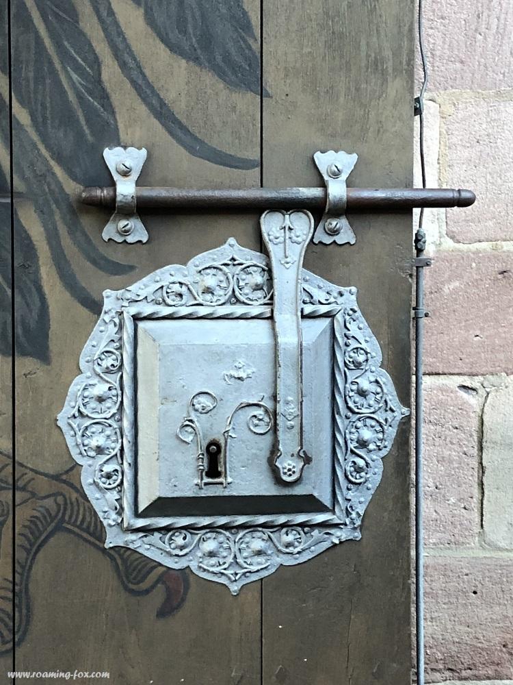 Lock in door Schloss Nuremburg.JPG