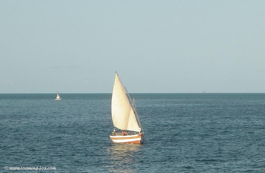 Dhow sailing across the bay at Vilanculos