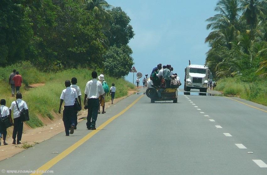 Pedestrians and traffic EN1 Mozambique