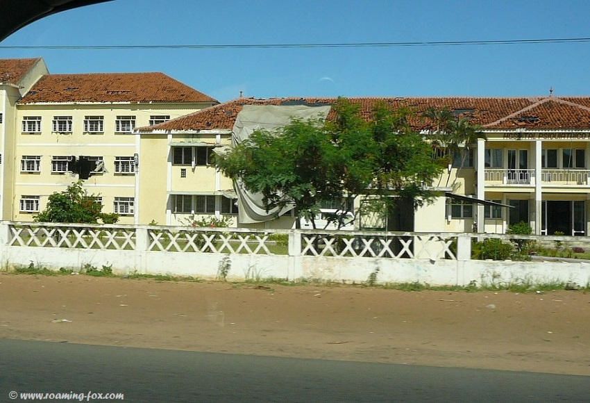 Buildings destroyed by war Mozambique