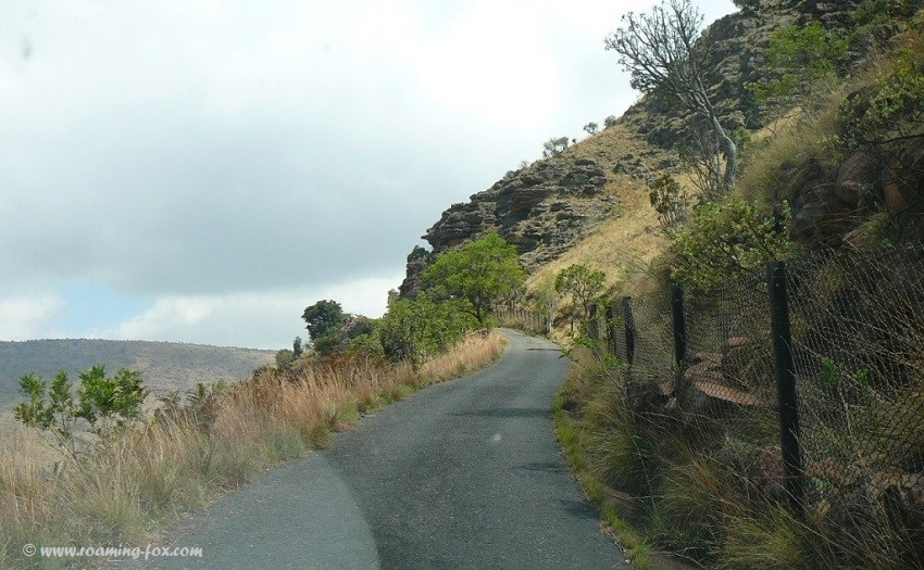 Narrow pass going to Lenong view point - Marakele National Park