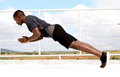 Clap push ups to develop explosive strength