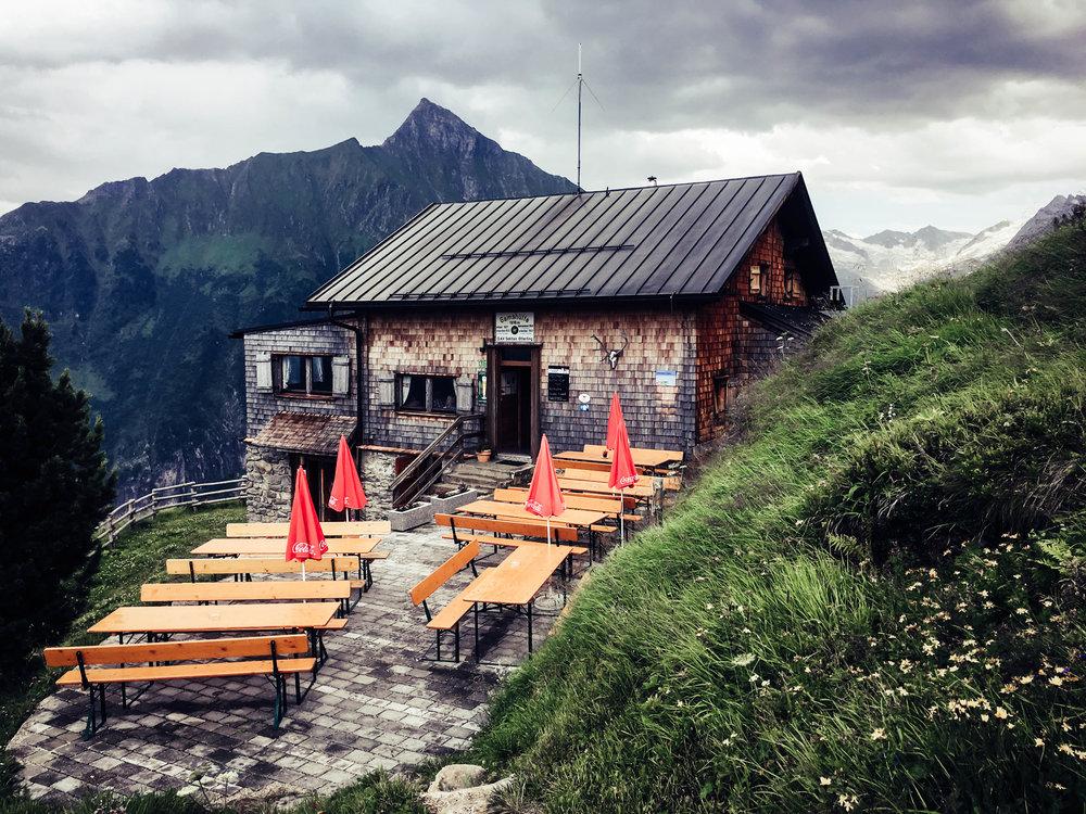 04 - Gamshütte (1921m).jpg