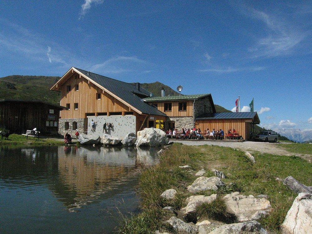 1200px-Lizumerhütte.jpeg