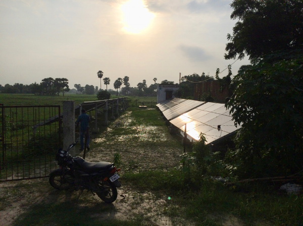 Village microgrid in rural India  (Elise Harrington, July 2016)