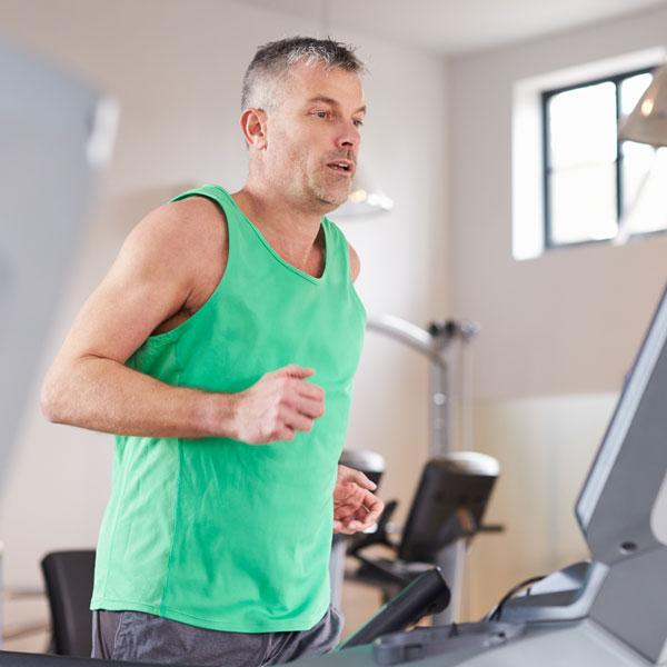 A tutte le età è possibile migliorare la forma fisica in palestra