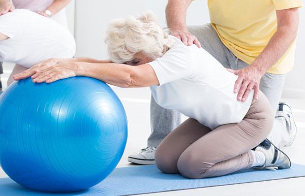 Percorso di allenamento long life fitness per la terza età