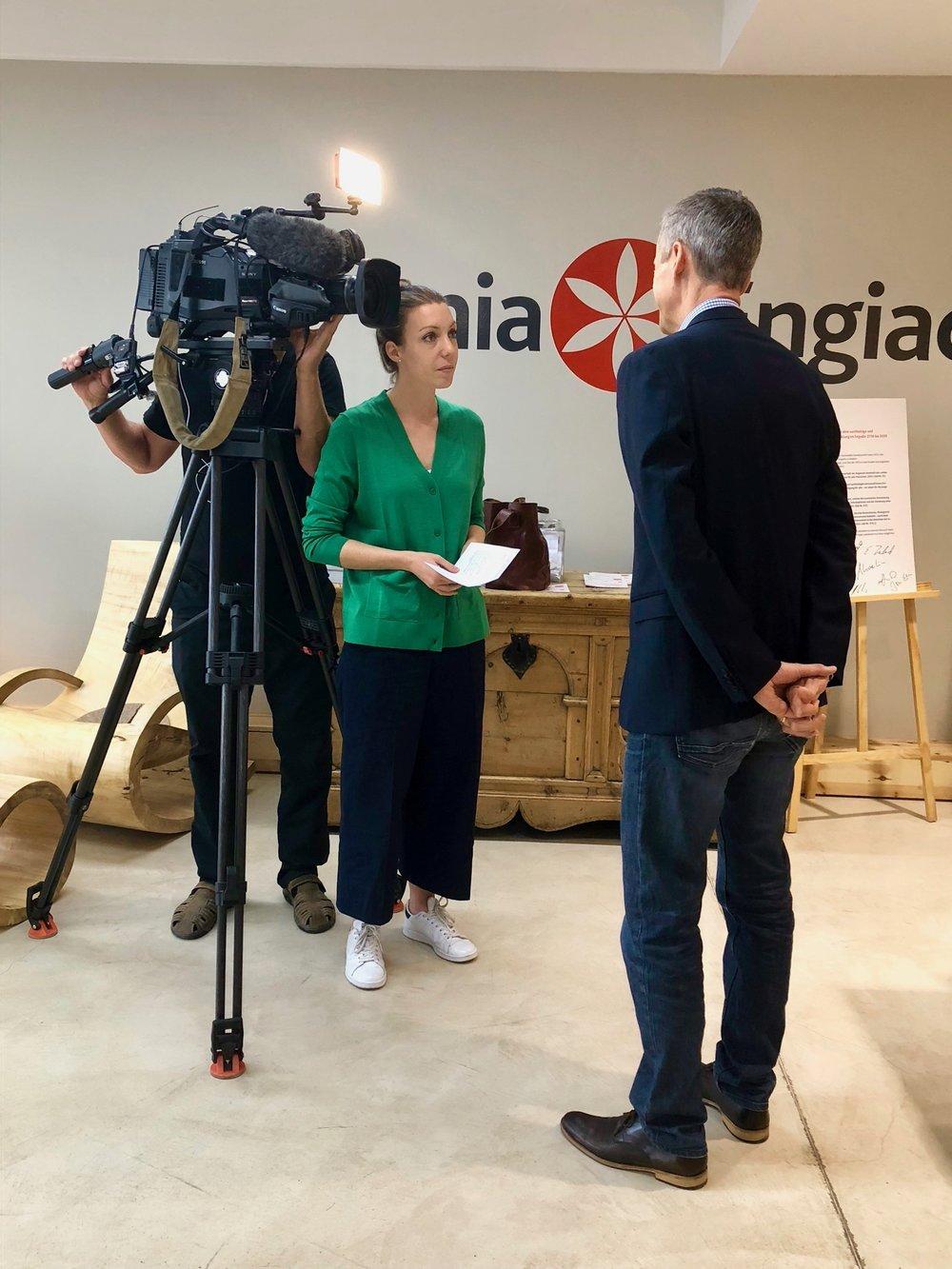 Das Schweiz Aktuell Team führte ein Interview mit dem mia Engiadina CEO Jon Erni.