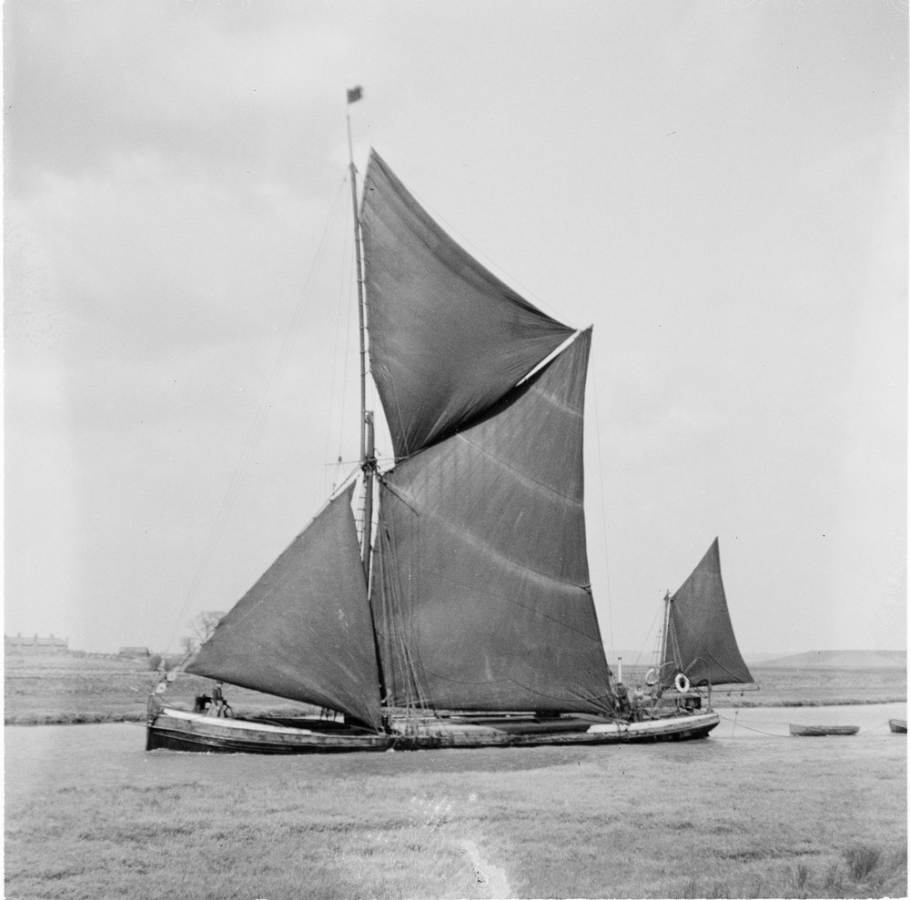 barge on oare creek A 1937 lr.jpg