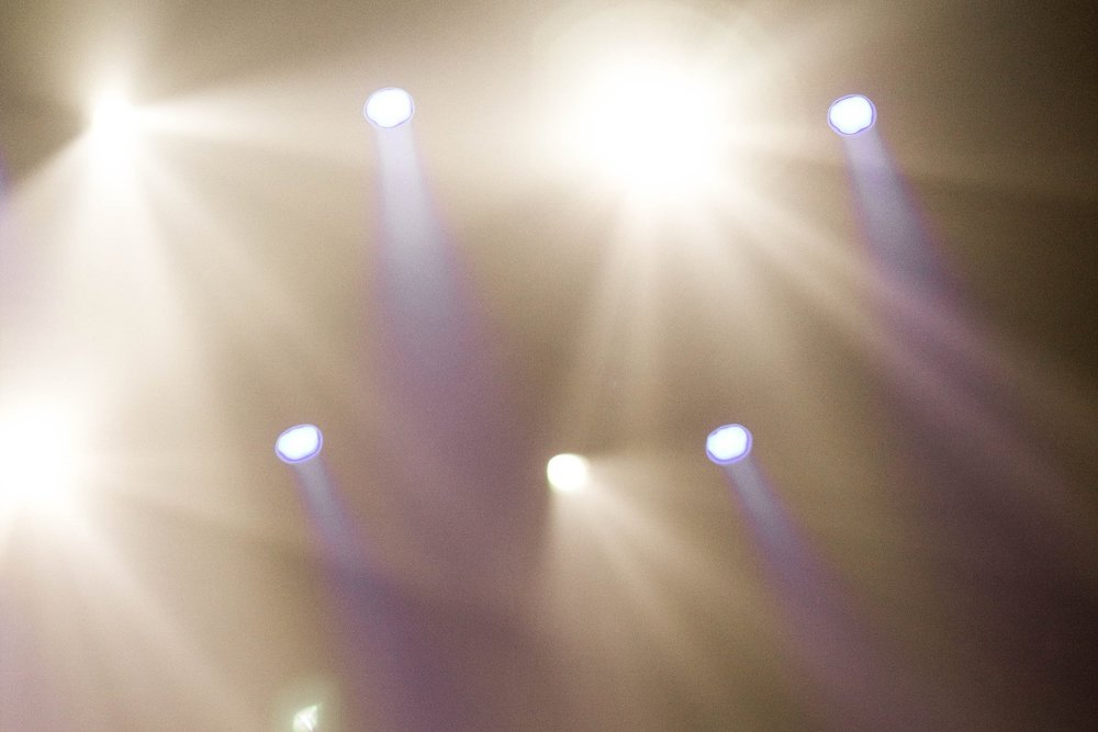 Lights - Change lighting for songs, media,and for speakers.