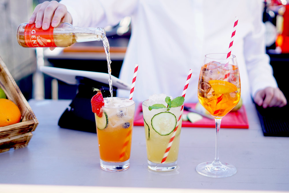 Sommerliche Drinks