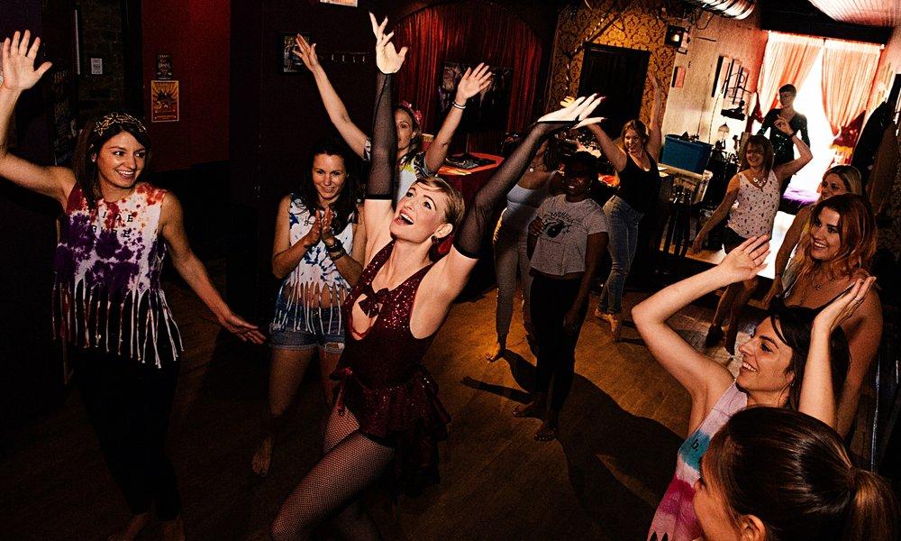 Bachelorette+Burlesque+Lesson.jpg