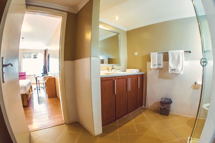 Master-Bathroom---2-Bedroom.jpg
