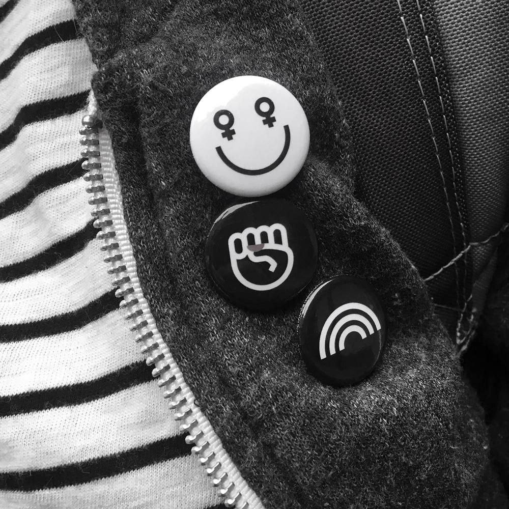 button-fist-amanda.png