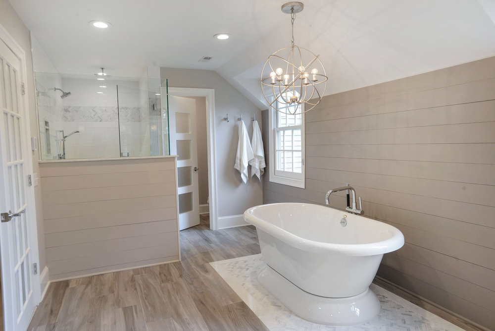 Soaking Tub and Shower