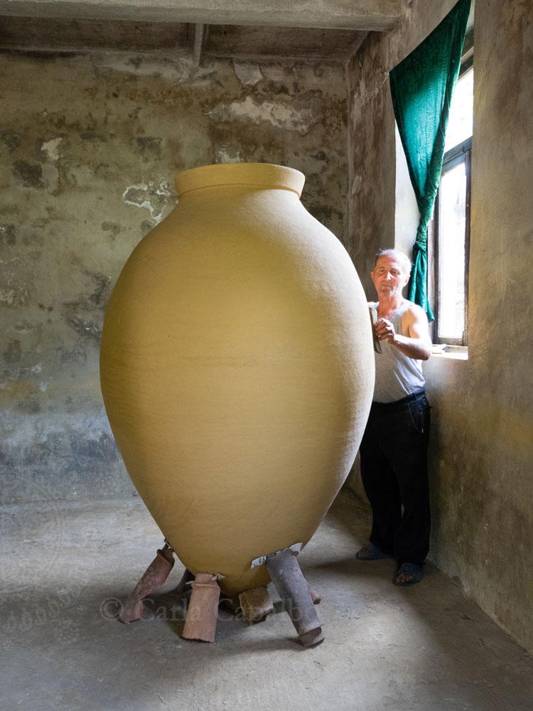 Zaliko Bodjadze, a master qvevri maker