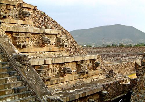 W2-0037-Teotihuacan-Temple-of-Quetzalcoatl-500x352.jpg