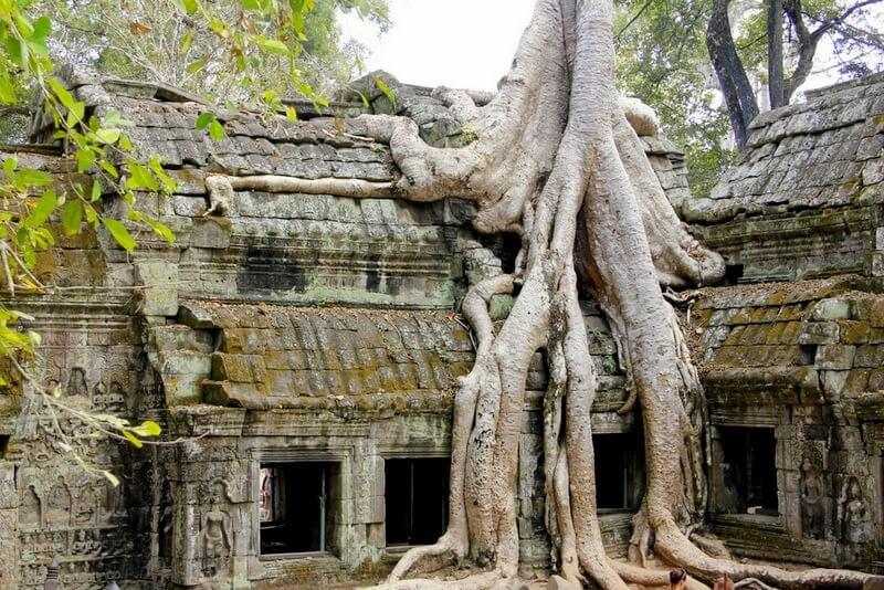 1-AngkorArhelogicalPark-Cambodia.jpg
