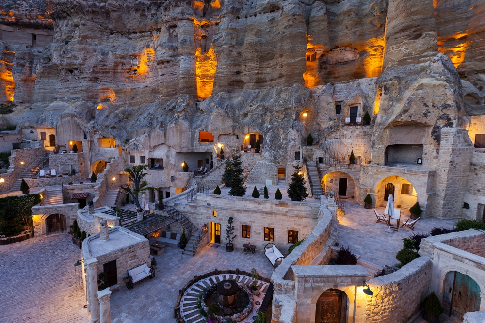 yunak_evleri_cave_hotel_turkey_01.jpg