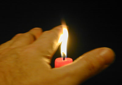 candle-hand-r.jpg