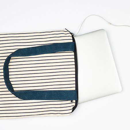 Chrysalis_Striped_Print_Bag.png