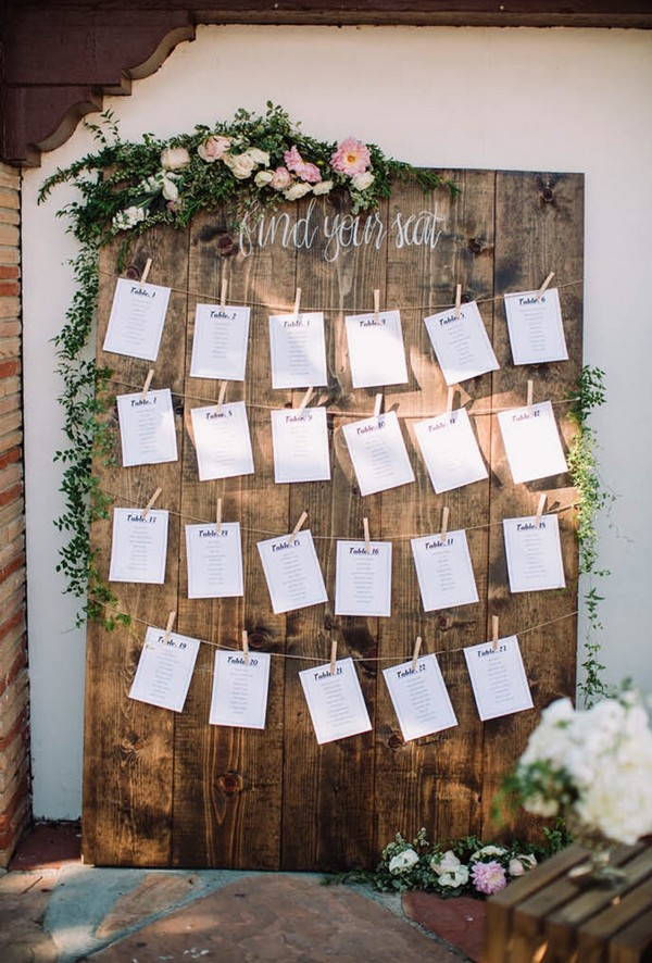 chic-rustic-wedding-seating-chart-ideas.jpg