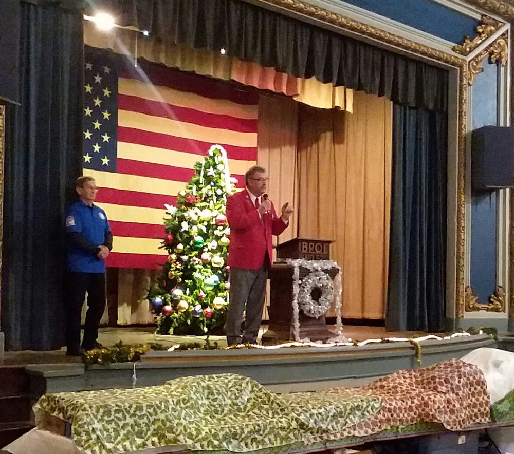 Pictured is Ohio Elks President Nevin Taylor (Marysville #1130) addressing the veterans while organizer and Veterans Committee Chairman Butch Bost (Chillicothe #52) looks on.