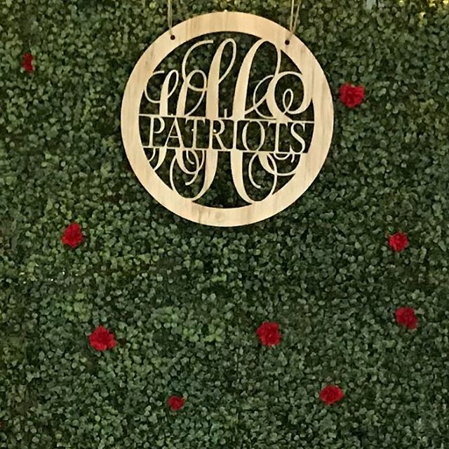 Heritage High School Homecoming. Loved the monogrammed wood sign. #boxwoodbackdrop @asilsoccasions #atleventplanner #atleventdesiger #atlweddingdesigner #gwinnetteventplanner