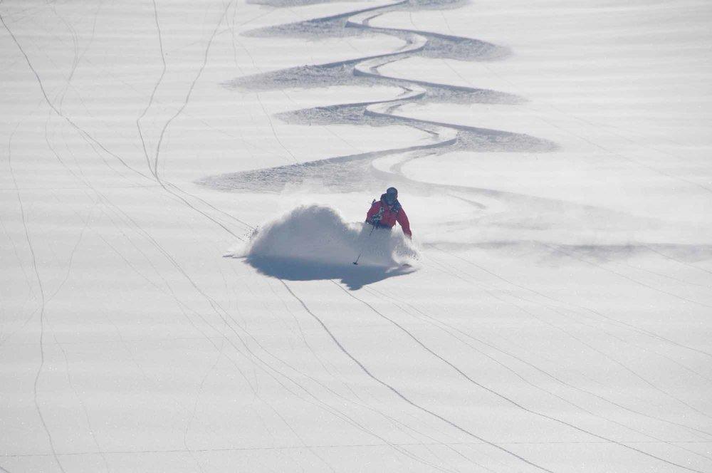 Heli-Ski-Valle-Nevado-2.jpg