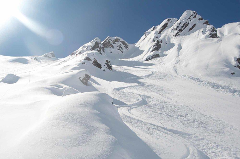 Heli-Ski-Valle-Nevado-10.jpg