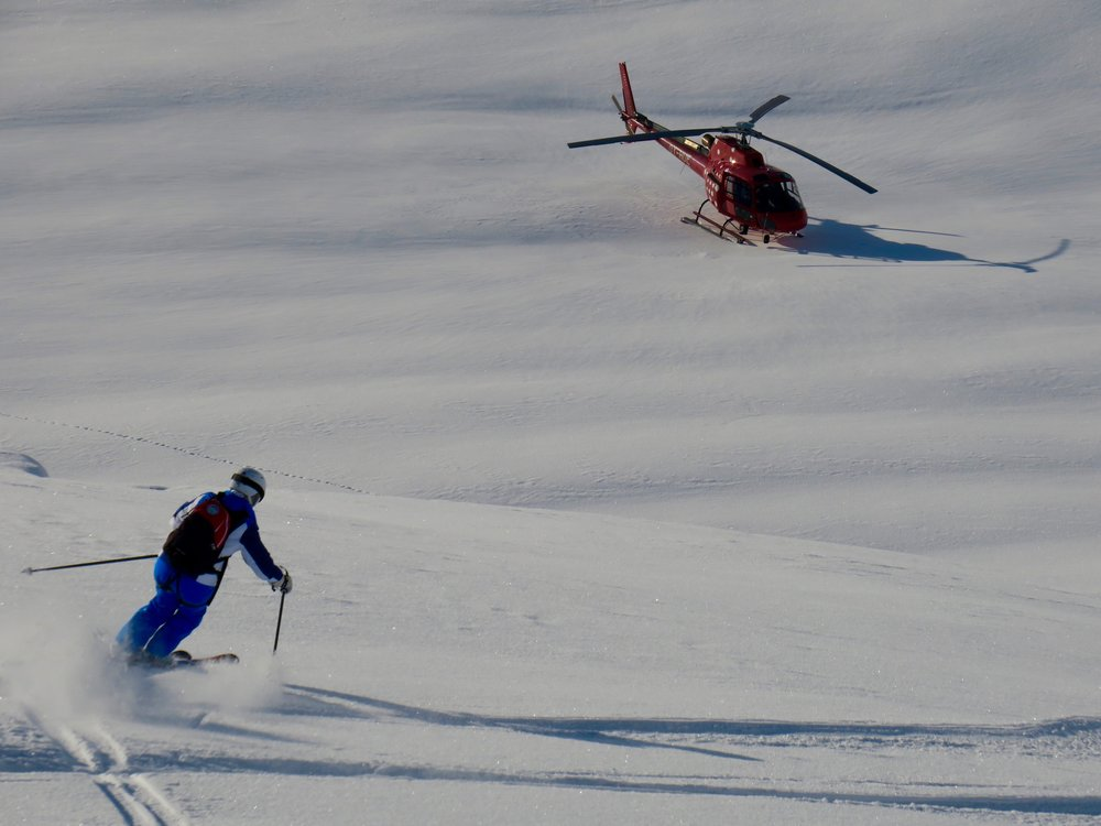 Dreamy heli-skiing turns by Ann.